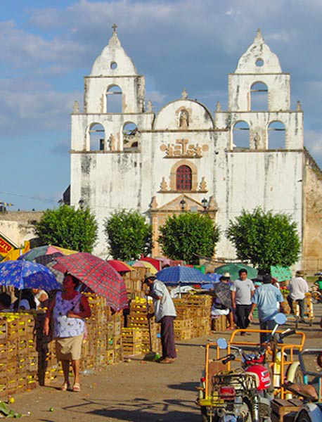Iglesia y parroquia de Oxkutzcab