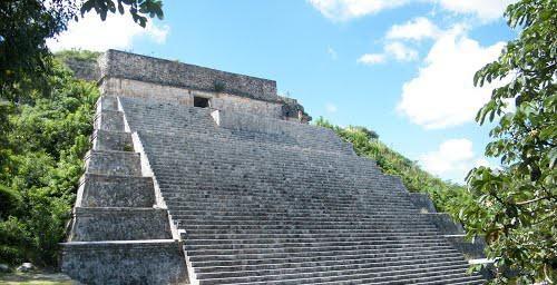 la gran piramide en Uxmal